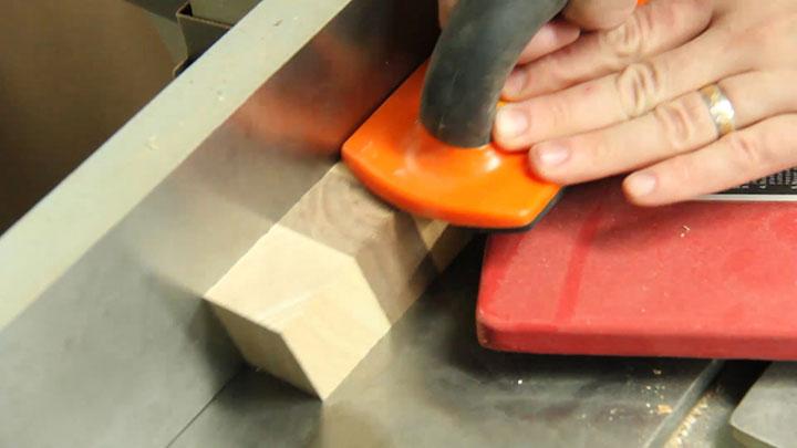 Chevron-Cutting-Board_img13